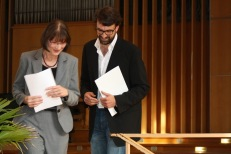 Charlotte Securius-Carr (Fulbright Commission) and Fulbright American Studies Award winner Boris Vormann