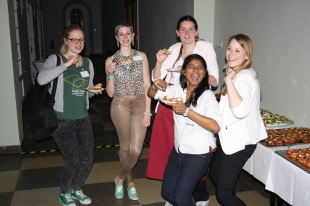 Our photographer Katharina Lurz and fellow student assistants Nathalie Brungs, Sandra König, Tharane Thananchayen, and Jenny Meinert